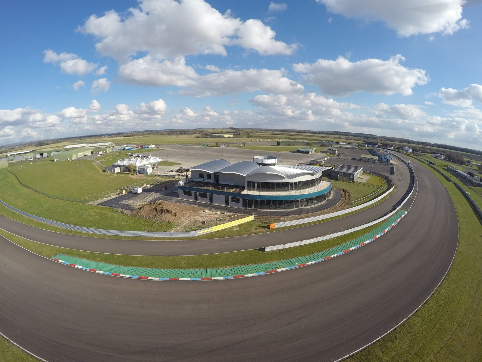 Tilemaster joins line-up at Thruxton Race Track